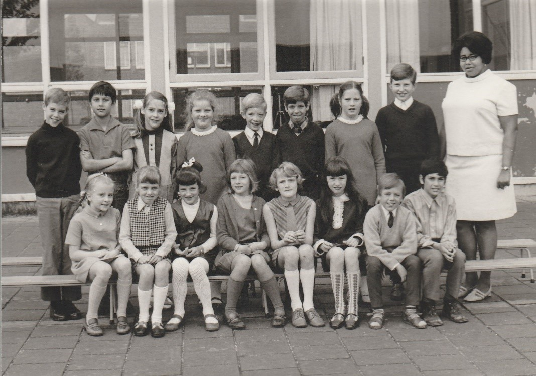 Where is young Louis? (about 8 years old)